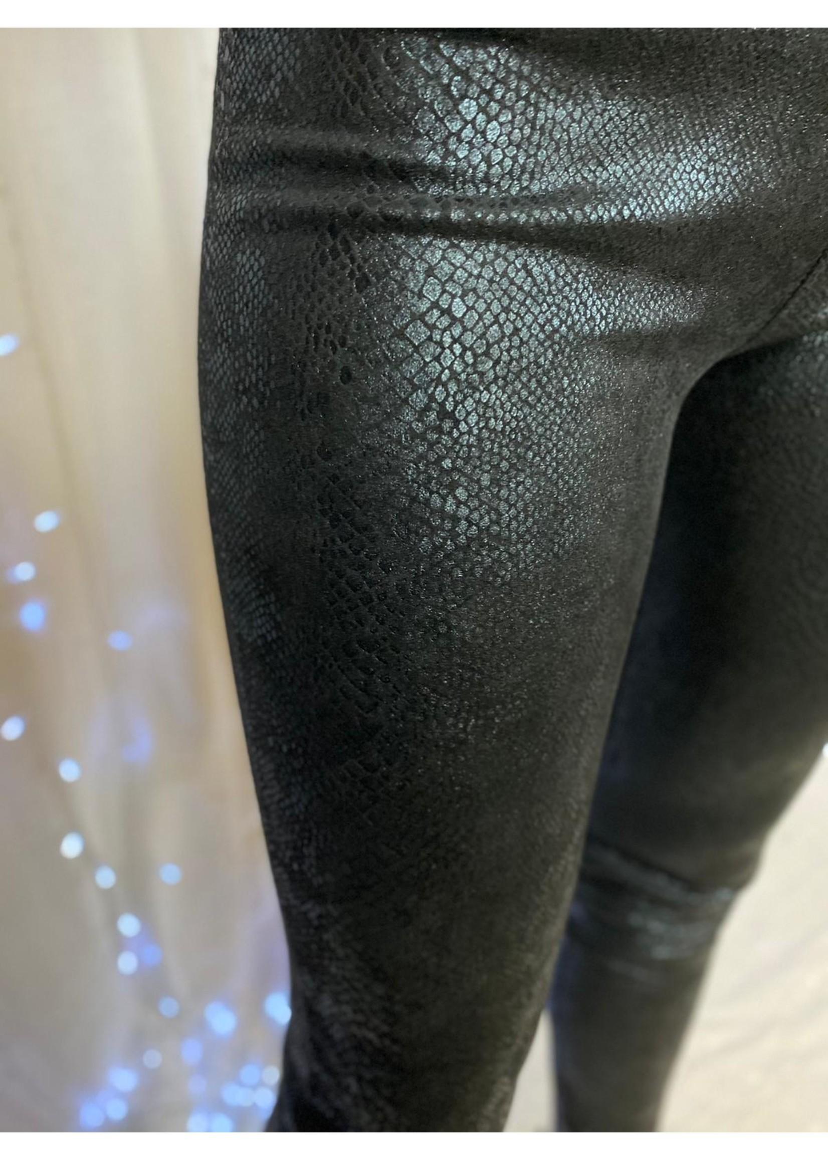 Ladybugs Legging met subtiele slangen print zwart mat met glansMarjolein