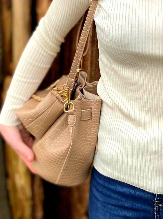 Pinned by K Bucket bag TAUPE