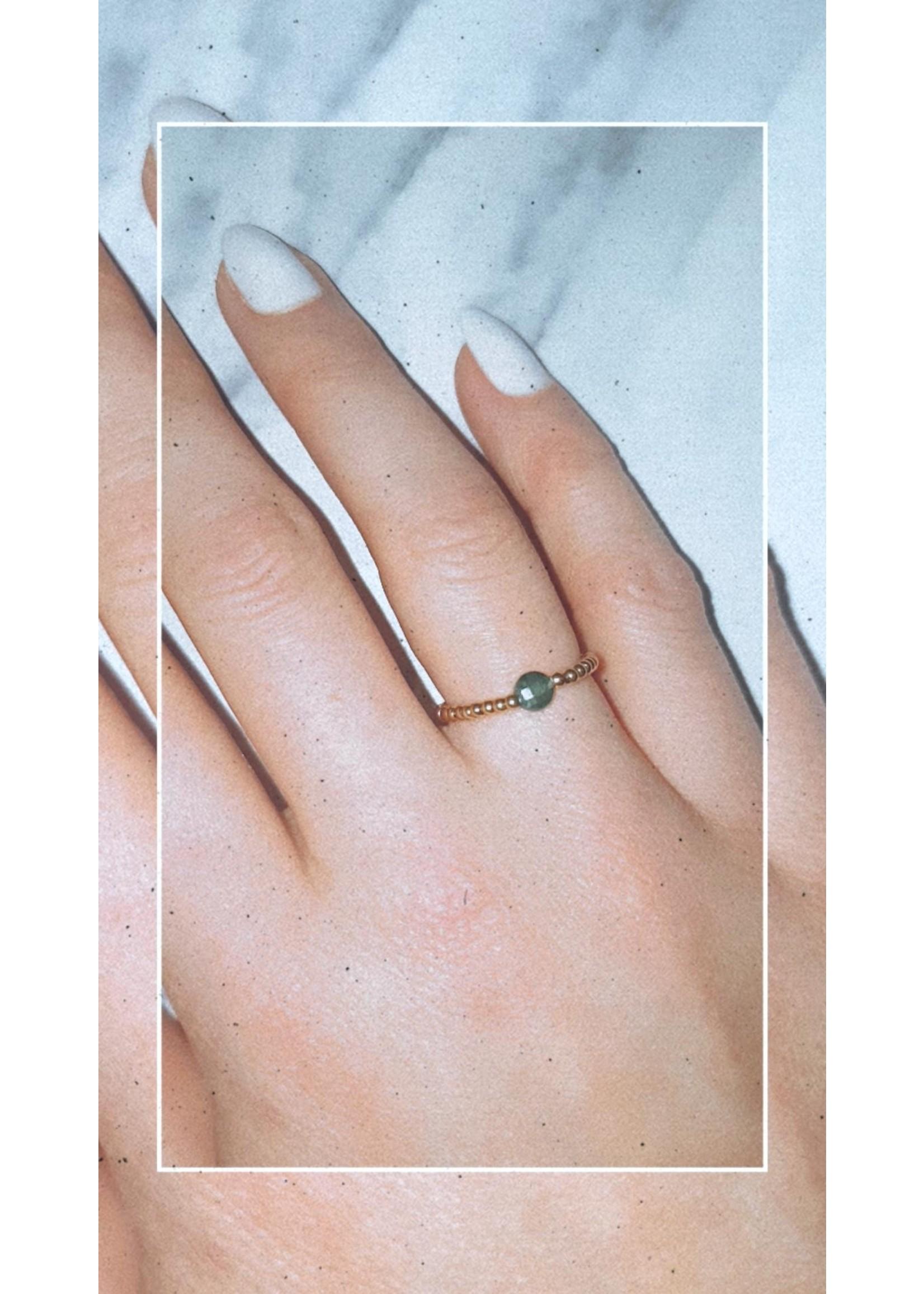 My Jewellery Ringetje van elastiek gekleurde steen GOUD - GROEN