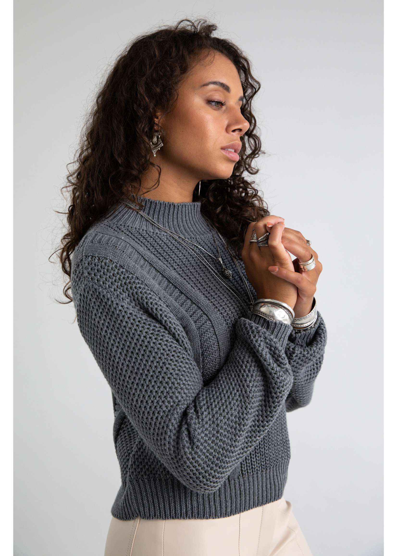 Moost Wanted Aster knitted sweater STONE GREY