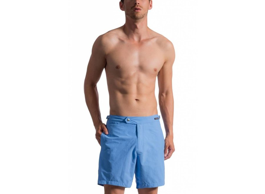 BLU 1662 Shorts Sky & Beachsandals for free