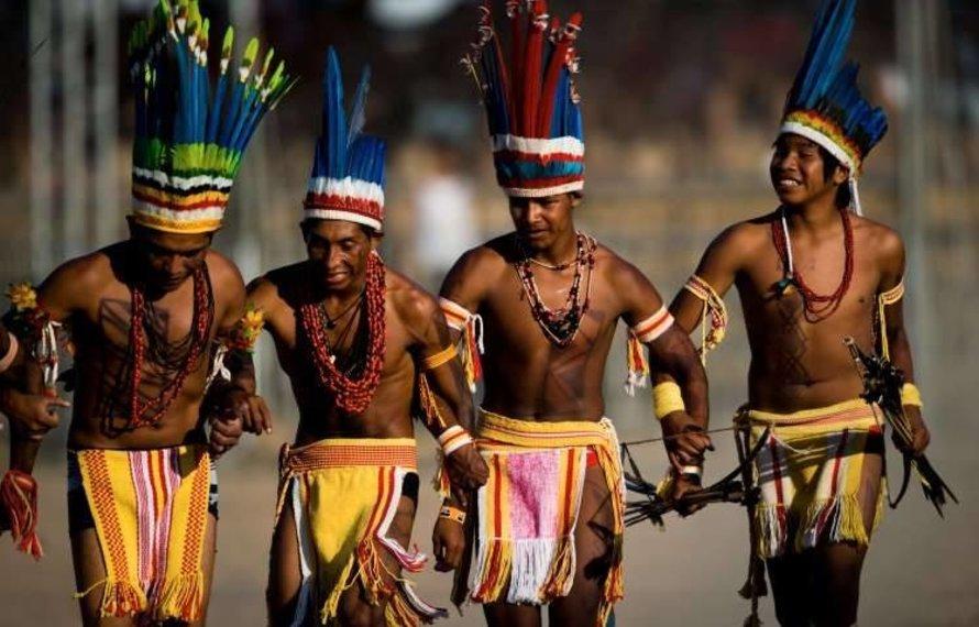 Männliche Verführung mit dem modernen String