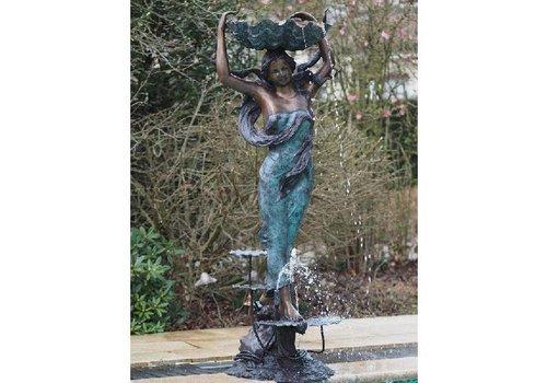BronzArtes Bronzestatuen: Die Wasserträgerin (Springbrunnen)
