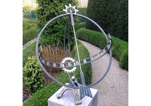 BronzArtes Big sundial