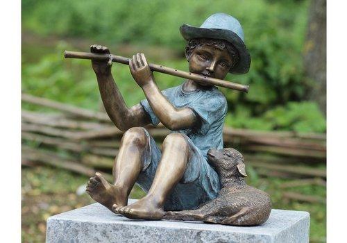 BronzArtes Bronzestatue: Flötenspieler mit Lamm