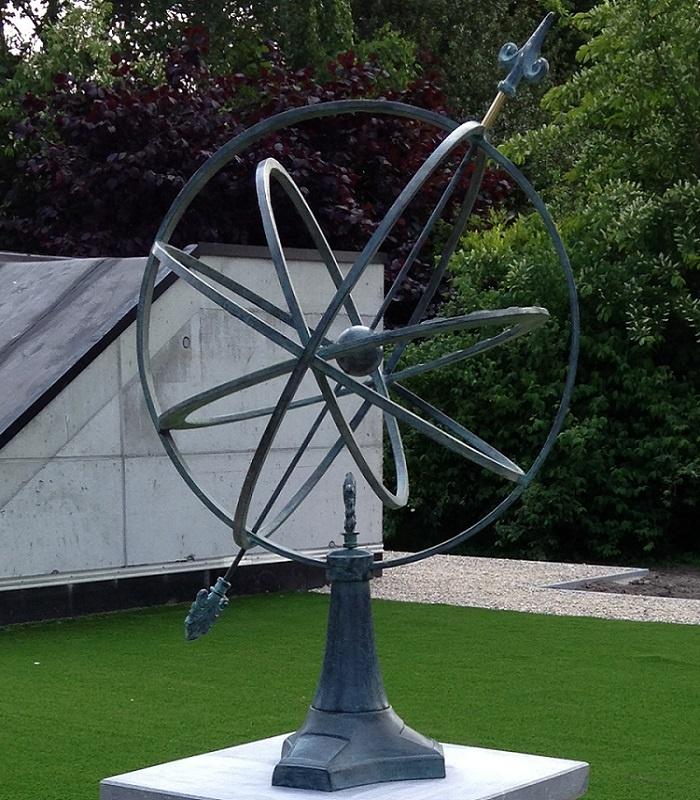 Bronze Statue:   Arrow sundial 67 cm-1