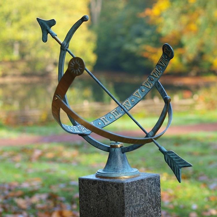 Bronze Statue:   Arrow sundial-1