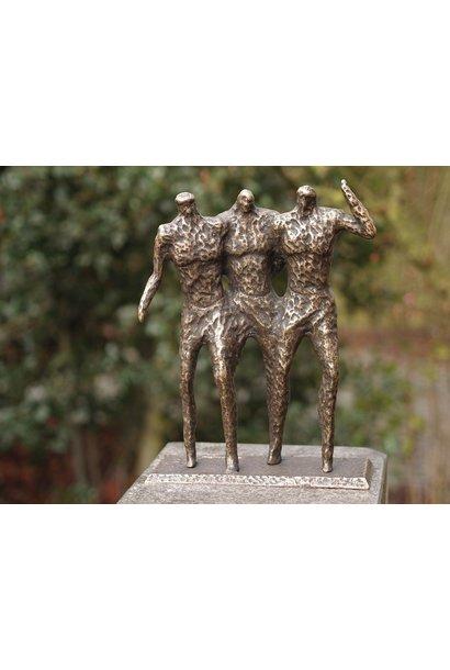 3 Men modern sculpture