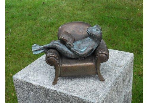 BronzArtes Bronzestatue: Lesender Frosch im Sitz