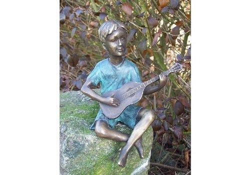 BronzArtes Bronzen Beeld: Jongen met gitaar