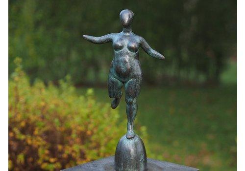BronzArtes Fette nackte Frau