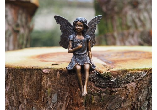 BronzArtes Sitting fairy with flower