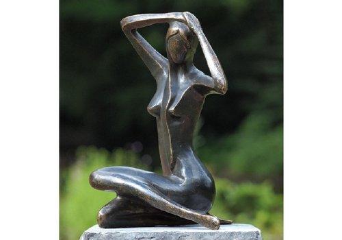 BronzArtes Bronzestatue: Große sitzende Frau
