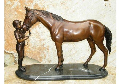 BronzArtes Mädchen mit Pferd auf Marmorsockel