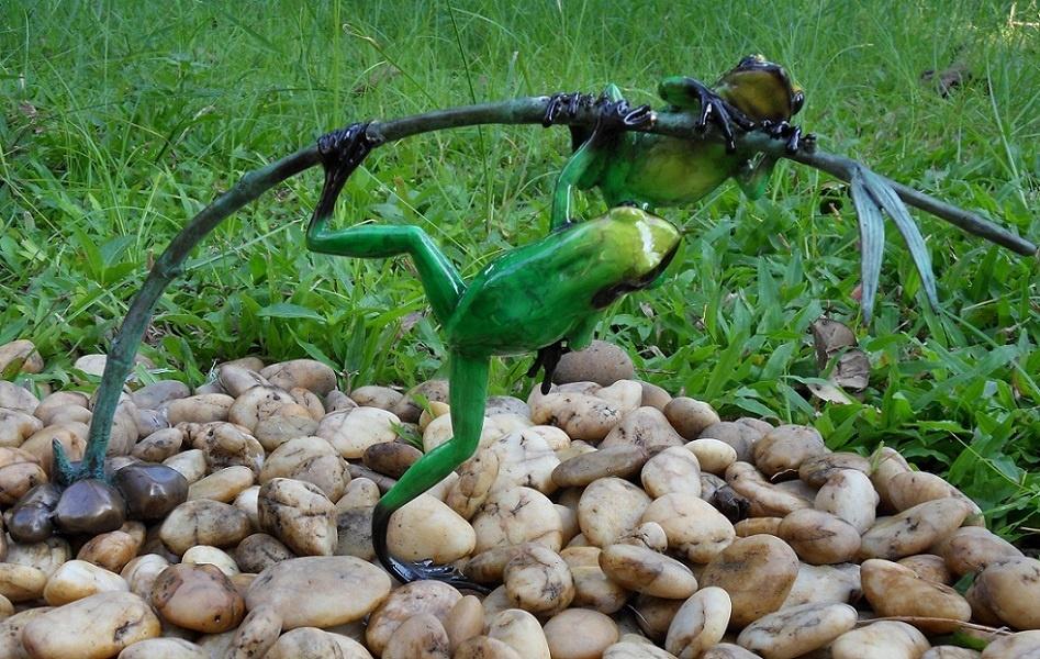 Bronze Statue:   2 Green frogon twig-1