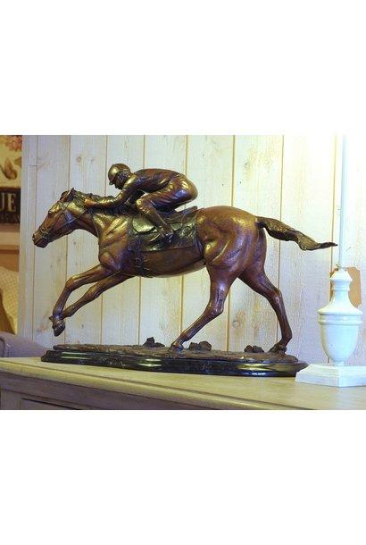 Jockey zu Pferd