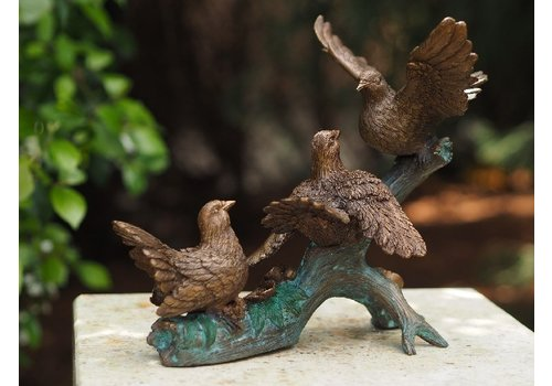 BronzArtes Bronzestatue: Vögel am Zweig