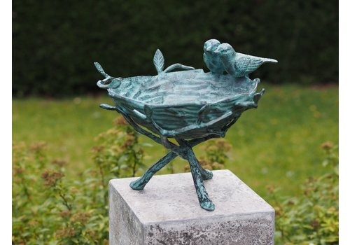 BronzArtes Bronze Image: Beautiful bird bath delivered without stone