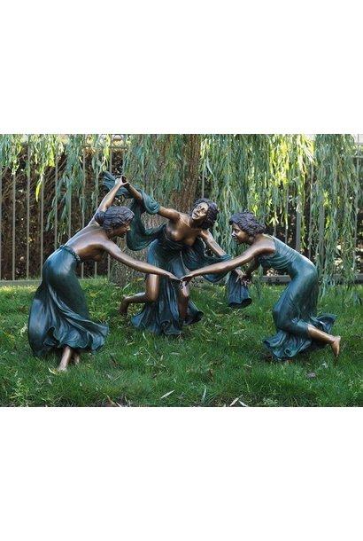 Three Dancing women