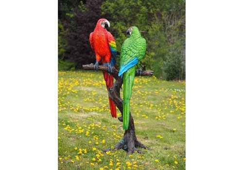 BronzArtes 2 Gekleurde papegaaien op boomstam