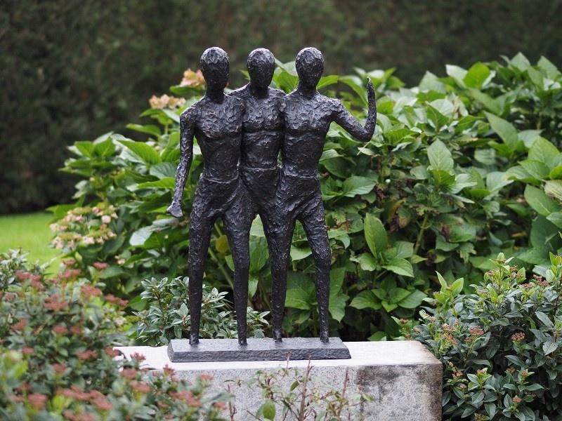 Bronze Statue: 3 Men modern-1