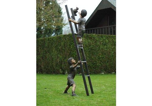 BronzArtes 2 Kinder auf Leiter mit Katze