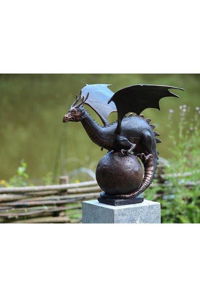 Dragon on sphere