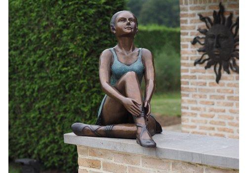 BronzArtes Sitting ballerina