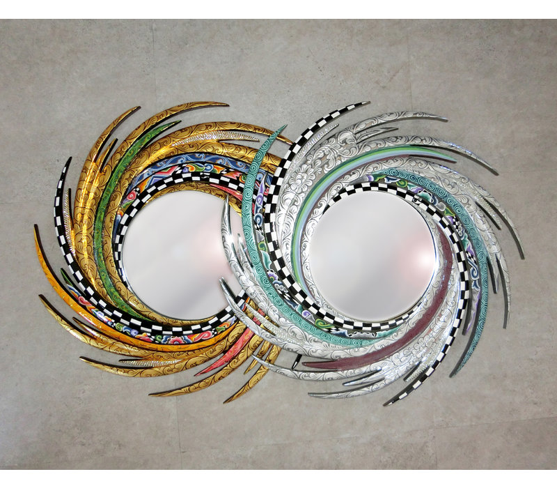 Colourful, funny, cheerful, in all colours of the rainbow:   Dimensions: Ø 70 cm, mirror Ø 30 cm,