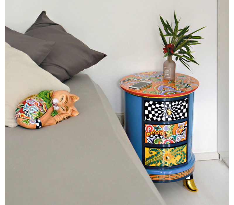 Colourful, funny, cheerful, in all colours of the rainbow: Drawer cabinet round, top orange