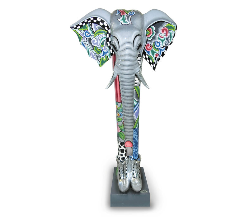 Colourful, funny, cheerful, in all colours of the rainbow:  Alexander, elephant XXL