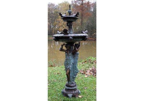 BronzArtes 3 Vrouwen met vogel fontein