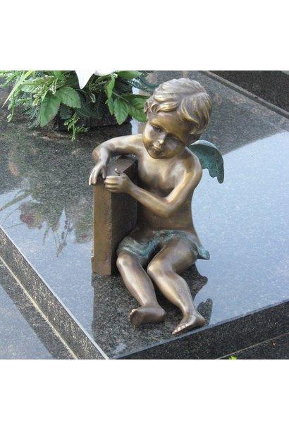 Kleine engel zittend