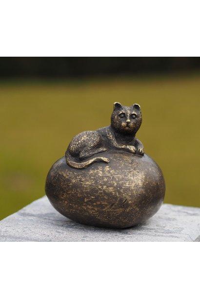 Mini urn with cat