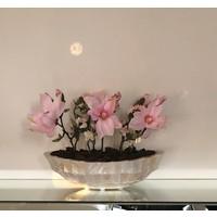 Schelpenvaas boot met magnolia's en bloesems - wit 46 cm