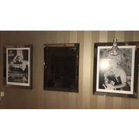 Set van 3 - 2 fotolijsten 70x90 en 1 spiegel 70x90  - brons