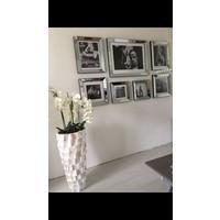 Schelpenvaas hoog - wit 90 cm  - met orchideeën