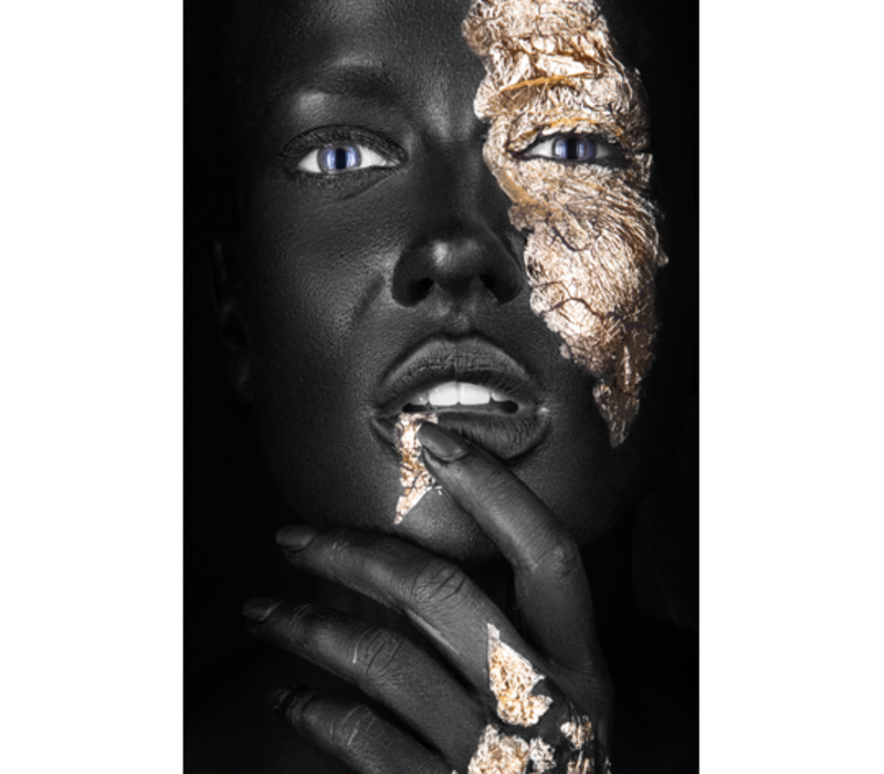 Aluminium Art - Kunstwerk -  Dark Skin Girl with Fingers Gold