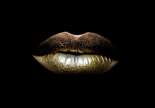 Aluminium Art - Golden Lips