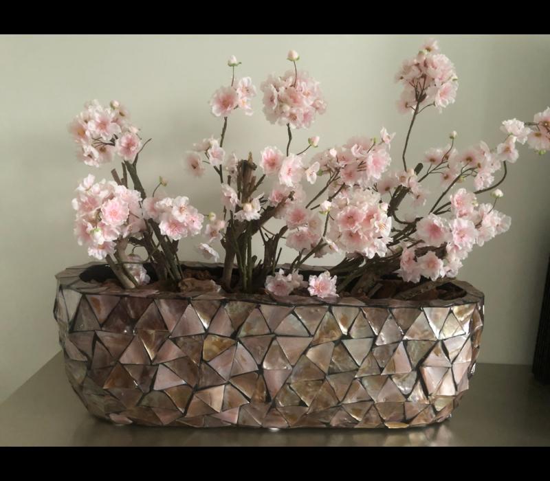 Schelpenvaas bruin breed  met lichtroze bloesems