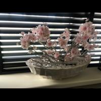 Schelpenvaas boot - wit met roze bloesems