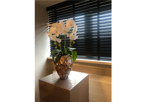 Schelpenvaas klein met orchideeën- bruin 17x24 cm