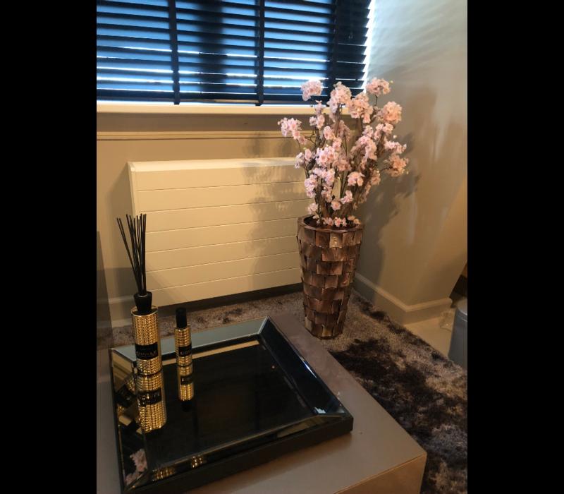Schelpenvaas hoog - bruin 65 cm met  bloesems
