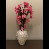 Schelpenvaas met bloesem fuchsia roze - wit