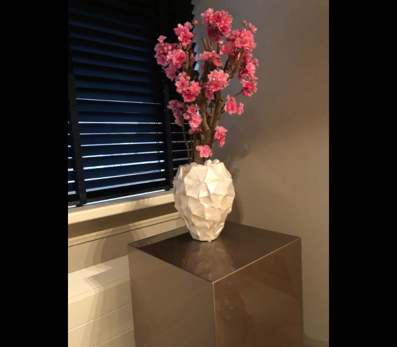 Schelpenvaas met bloesem fuchsia roze - wit 17x24 cm