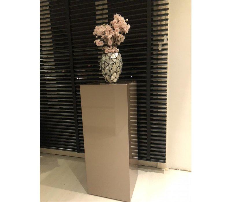 Schelpenvaas klein met bloesem lichtroze - zilver 17x24cm