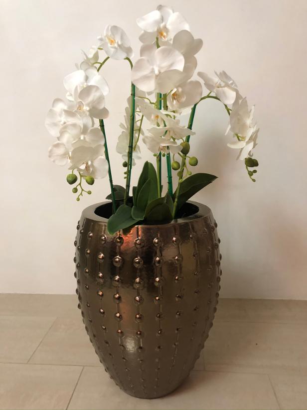 Bronzen pot small met orchideeen