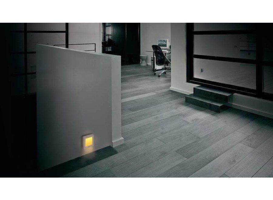 M-E Orange LED Nachtlicht met Automatisch Schemersensor White