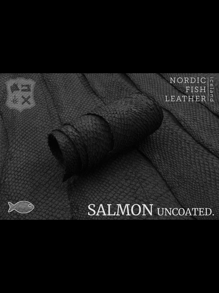Nordic Fish Leather Visleder Zalm in de kleur Norr 912s (zwart), niet gefinisht