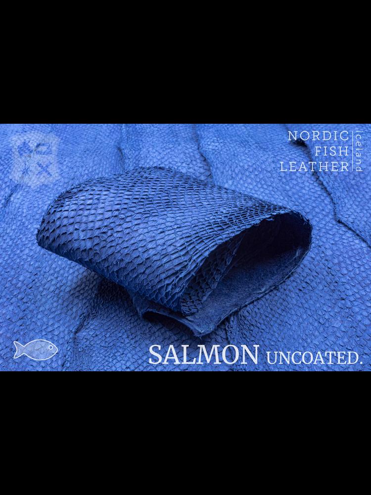 Nordic Fish Leather Visleder Zalm in de kleur Kaldi 141s (blauw), niet gefinisht
